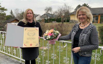 Silberne Ehrennadel für Ingeborg Wagner